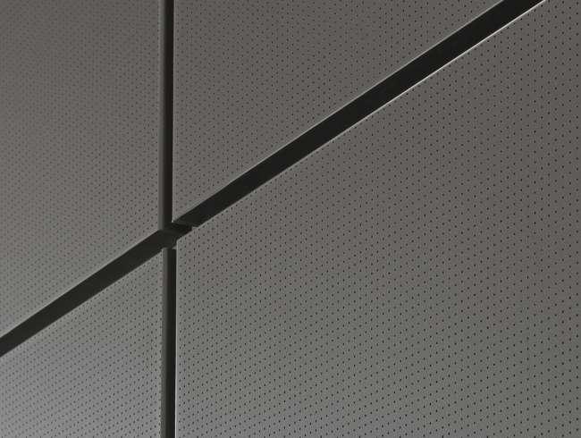 Aura 600 Acoustic, mikroperferointi elementtien korotetussa pinnassa